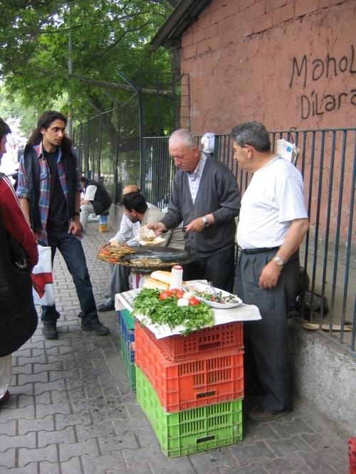 Letzte Staerkung in Istanbul vor der Weiterfahrt