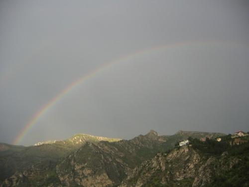 Ein Regenbogen ueber Amasya