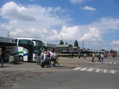 Am Busbahnhof von Warschau