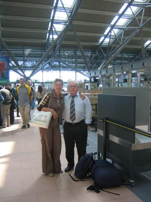 Meine Eltern am Flughafen