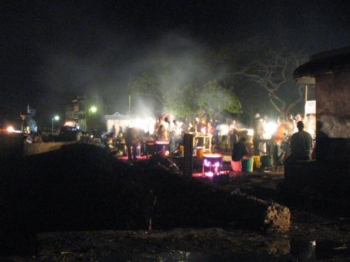 Der abendliche Foodmarket in den Forodhani Gardens in Stone Town auf Zanzibar