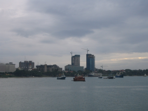 Der Hafen von Dar es Salam bei der Ankunft