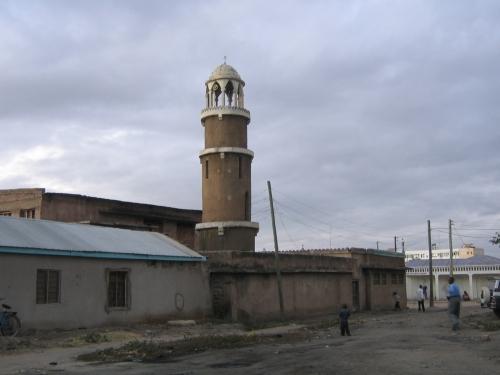 Eine alte Moschee in der tanzanischen Hauptstadt