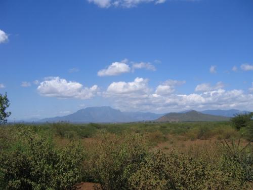 Auf diesem Foto sieht man bereits kenianische Berge