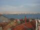 Der Blick von der Dachterasse ueber den Bosporus