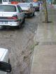 Mit jedem Regen bilden sich kleine Fluesse auf den Strassen