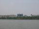 Der Westsee und einige Gebaeude der Stadt