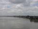 Das Ganges Ufer von der Eisenbahnbruecke aus
