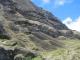 Noch unfertige Moai an der Entstehungsstelle am Ranu Raraku Vulkan