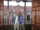 Ceci und ich vorm Innenhof des Museums