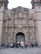 Der Eingang zur Kathedrale von Puno