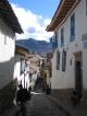 Eine schmale Gasse im Stadtteil San Blas