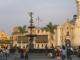 Der Plaza Mayor, rechts ein Stueck Kathedrale
