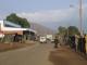 Strassenverkehr auf der Hauptstrasse von Mokhotlong