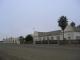 Das Lazarett und dahinter die Kaserne