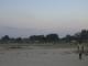 Kinder spielen Fussball auf einem Platz in Katima Mulilo