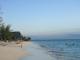 Badende Touristen am Strand von Nungwi