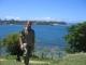 Ich stehe zwischen Fort Jesus und dem Indischen Ozean